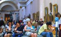 """SUR-FAKE, il """"mostruoso"""" effetto degli smartphone sulle persone"""